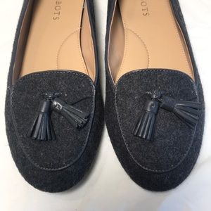 TALBOTS Gray Fabric/Tassels Loafers/size 8.5